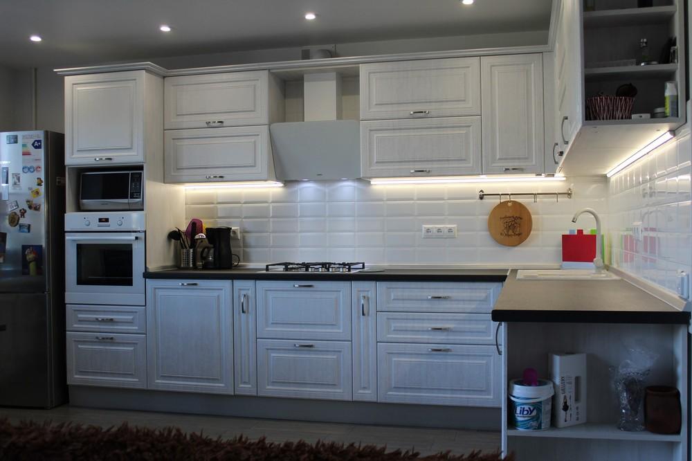 Белый кухонный гарнитур-Кухня МДФ в ПВХ «Модель 231»-фото3